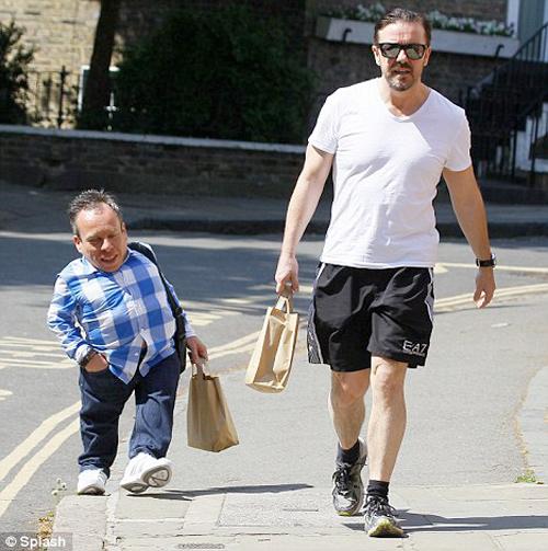 Ricky Gervais Warwick Davis walking